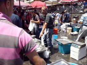 De fameuze vismarkt van Catania.
