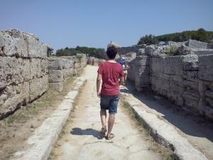 Je kunt er wandelen door een millennia oude straat.