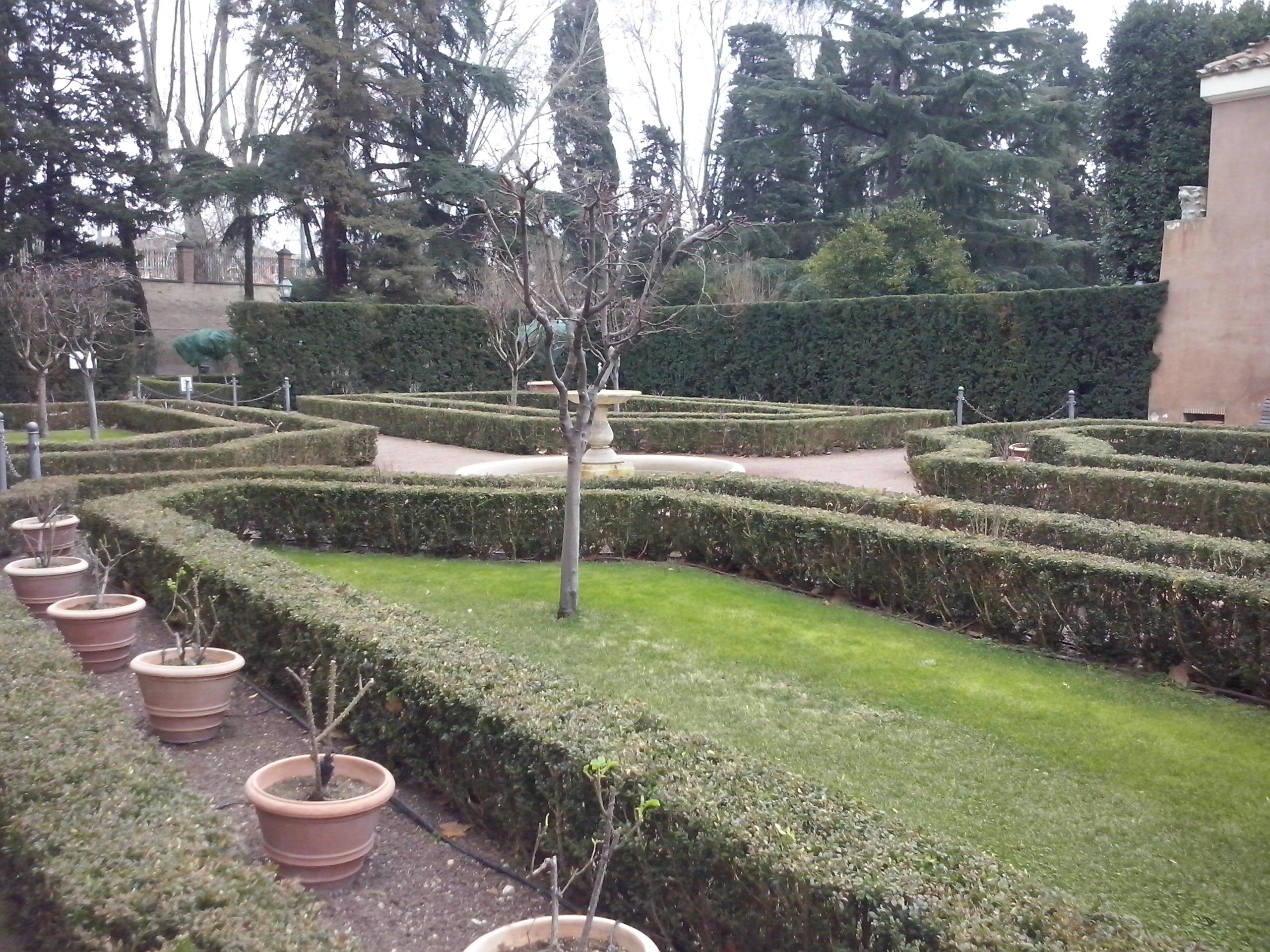 De tuin van de Villa Farnesina