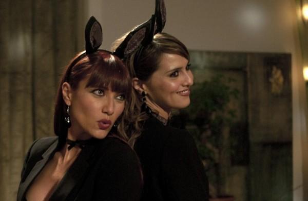 Paola Cortellesi en Anna Foglietta als gezelschapsdames.